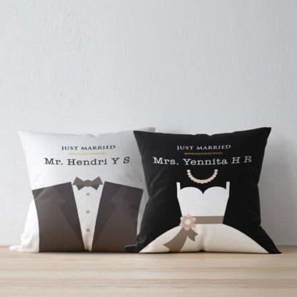 Kado Pernikahan Gokil Bantal Cantik