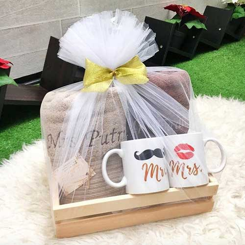 Hadiah Pernikahan untuk Sahabat Perempuan paket kado handuk spesial
