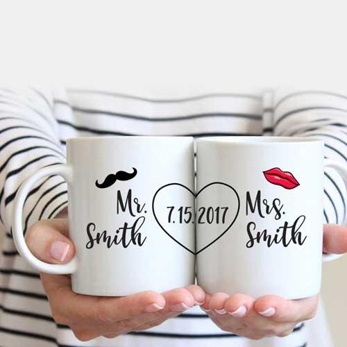 Hadiah Pernikahan untuk-Sahabat-Perempuan mug couple love