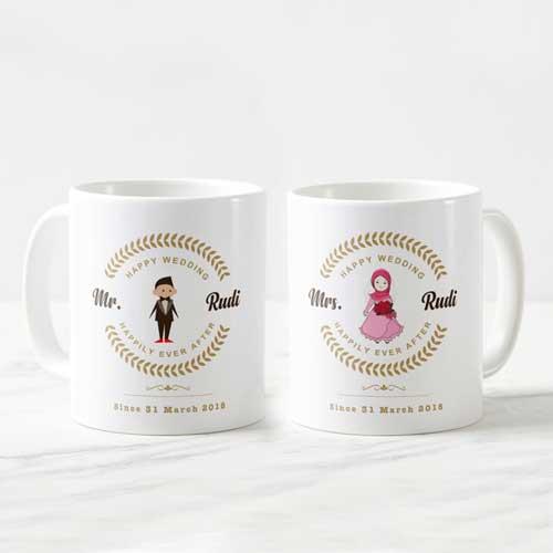 Hadiah Pernikahan untuk Sahabat Perempuan mug couple romantis
