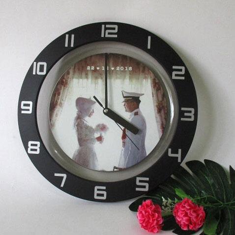 Kado Perpisahan untuk Sahabat Tercinta jam kaca