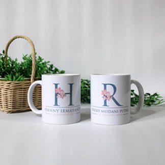 kado pernikahan mug couple inisial nama
